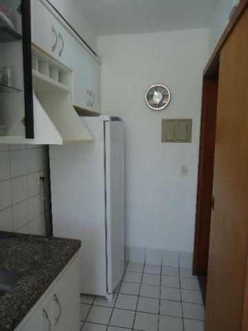 Vende-se Apartamento de 2Q em pleno Jardim Camburi