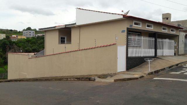Casa com 02 pavimentos Vila Teixeira (terreno 300m2, área construída 170m2)