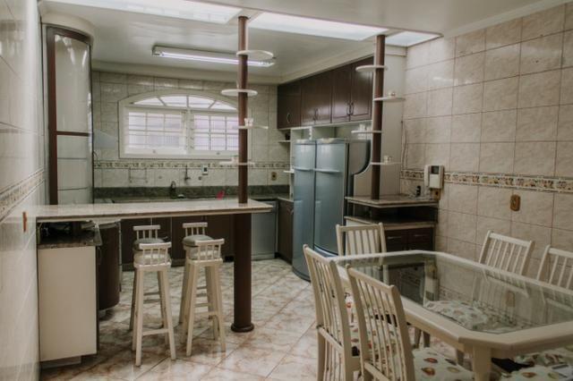 Casa mobiliada com piscina com 3+ quartos com vista privilegiada da cidade - Foto 2