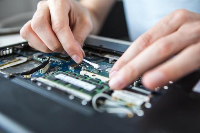 Limpeza e formatacão de computadores