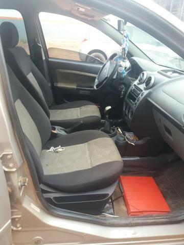 Vende-se ou troca em terreno Ford Fiesta - Foto 4