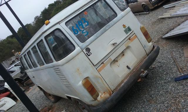 Sucata de Volkswagen Kombi Envidraçada 94/95 - Somente para Peças - Foto 5