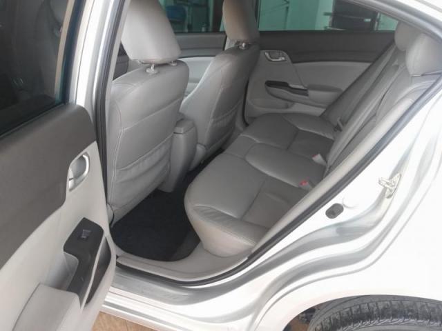 Civic Sedan LXS 1.8/1.8 Flex 16V Aut. 4p - Foto 8