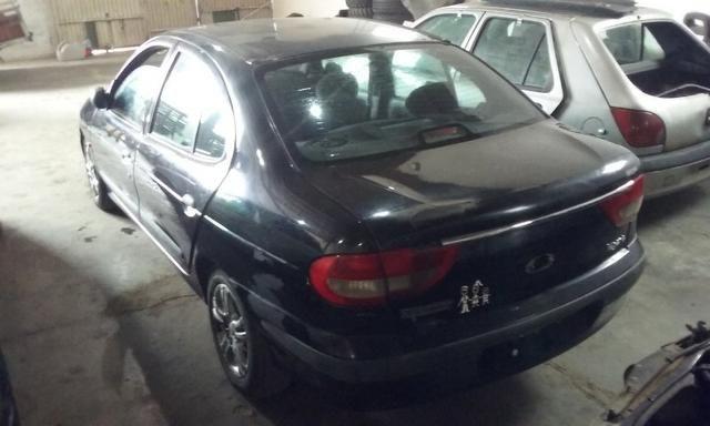 Sucata de Renault Megane RT 1.6 16v 2001 para retirada de peças - Foto 8