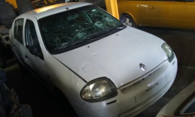 Sucata de Renault Clio Rn Sedan 1.0 16v 2001 - somente para peças - Foto 2