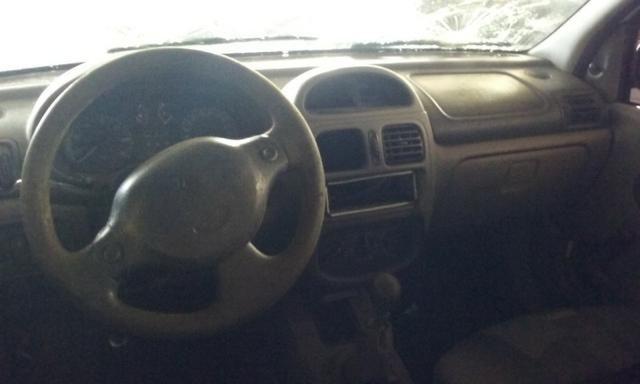 Sucata de Renault Clio Rn Sedan 1.0 16v 2001 - somente para peças - Foto 5