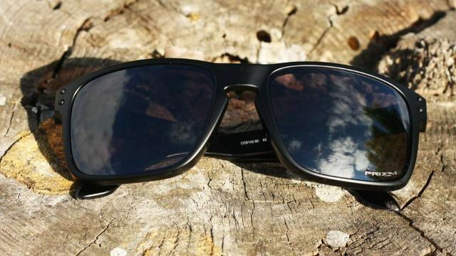 aebeeee333802 Oculos de sol Oakley Holdbrook preto com lentes Priszm - Bijouterias ...