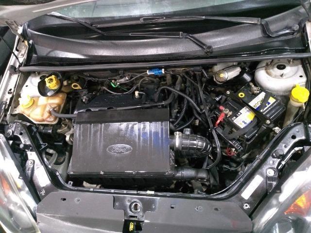 Ford Fiesta Class Hatch 1.0 2013 - Foto 6