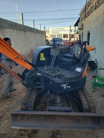 Mini escavadeira doosan dx 27z - Foto 4