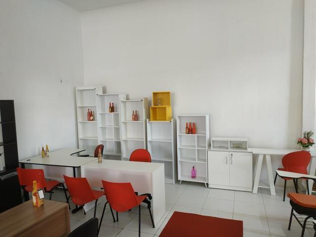 Mesas, armários, cadeiras e estantes - Foto 2