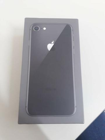 af968513ef6 Caixa completa com adesivos e manual Iphone 8 64g - Celulares e ...