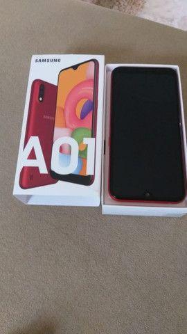 Samsung Galaxy A01, vermelho / 32GB - Foto 3