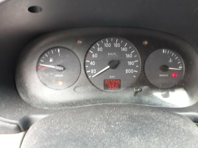 Clio sedan Rl 1.0 4p 2004 - Foto 6