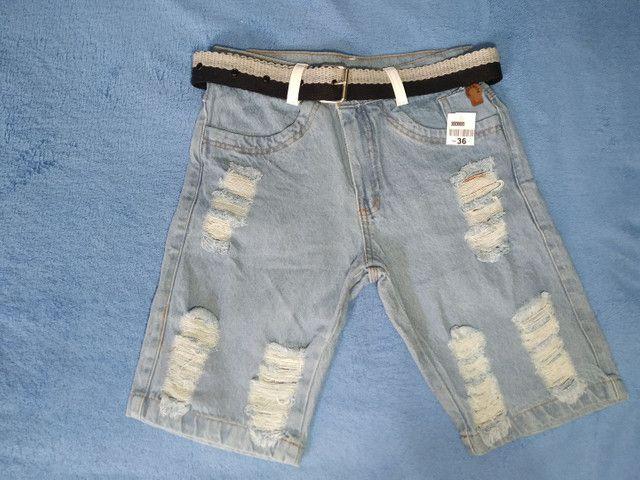 Bermuda Jeans Rasgado Com Cinto