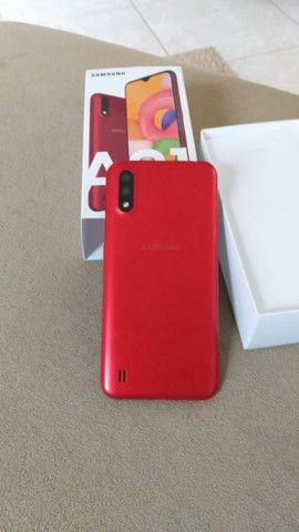 Samsung Galaxy A01, vermelho / 32GB - Foto 2