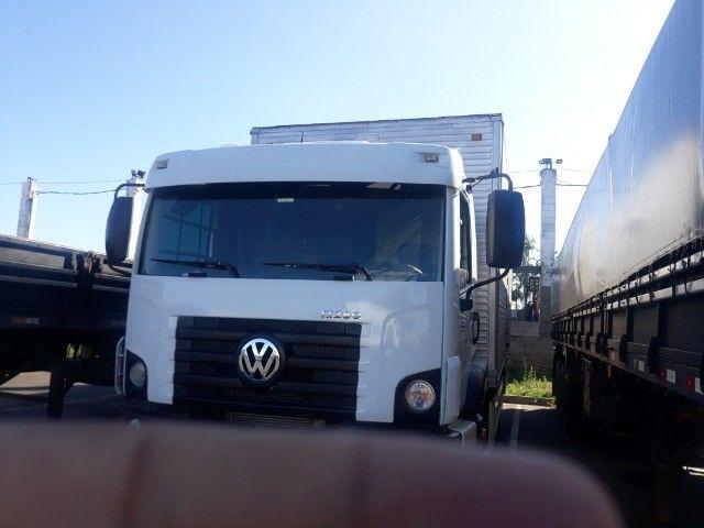 Caminhão vw 17.280 Constellation Baú 12/12 - Foto 4