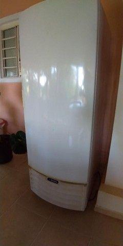 Freezer e Conservador Vertical Dupla Ação 539 litros VF55D Metalfrio 220V