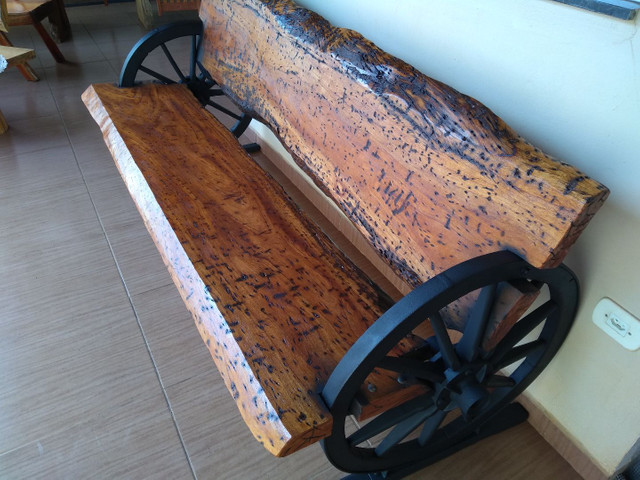 Banco rústico roda carroça