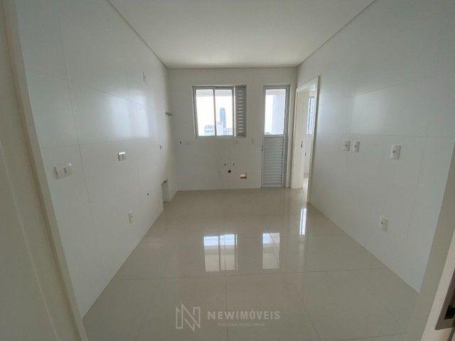 Apartamento 3 Suítes 3 Vagas no Centro em Balneário Camboriú - Foto 6