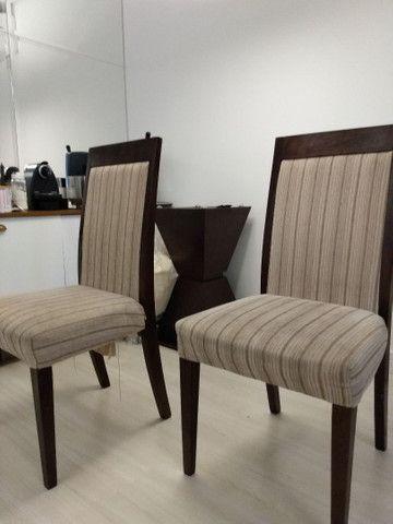 4 cadeiras madeira maciça usadas estofadas - Foto 2