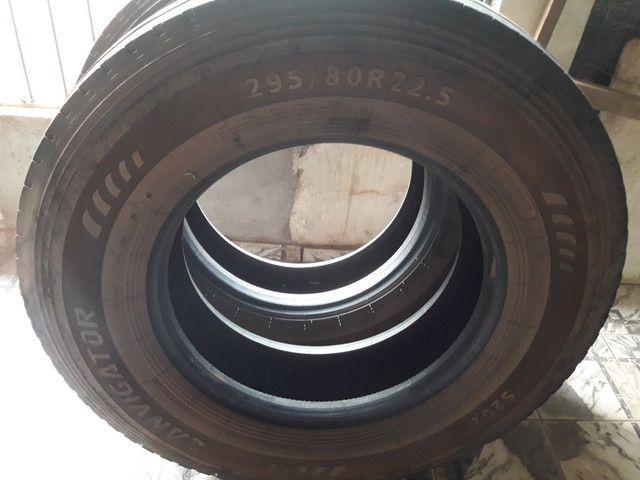 Vende se pneus 295 1000/20