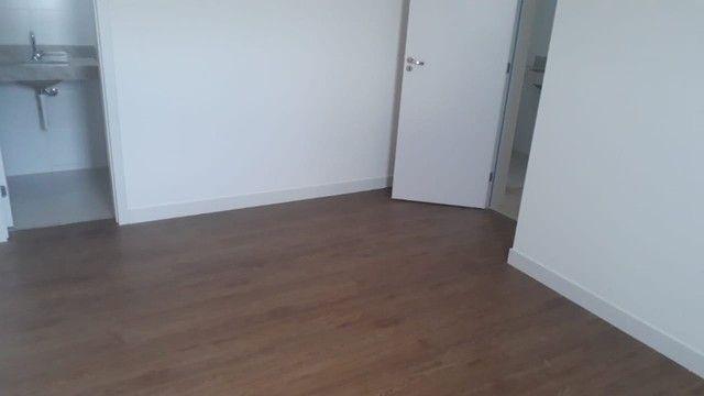 Apartamento de Dois Quartos - Suíte - Duas Vagas - Alto Padrão // Castelo Manacás - Foto 8