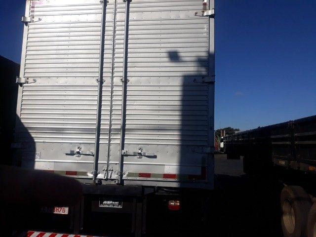 Caminhão vw 17.280 Constellation Baú 12/12 - Foto 10