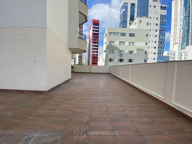 Apartamento Diferenciado com 4 Dormitórios em rua reta ao mar em Balneário Camboriú - Foto 6