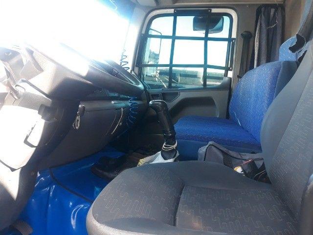 Caminhão vw 17.280 Constellation Baú 12/12 - Foto 8