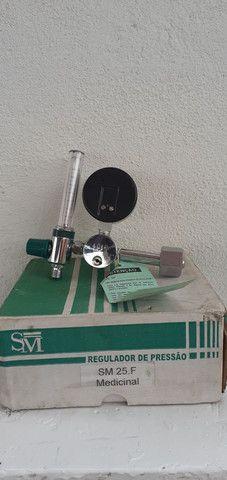 Valvula de oxigenio para oxigenoterapia com fluxometro - Foto 2