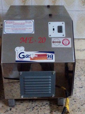 Extrusor e Moedor de Carne e Massas Gatromaq ME-20 - Foto 4
