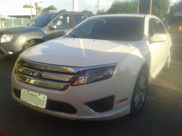 Ford Fusion com Teto Solar