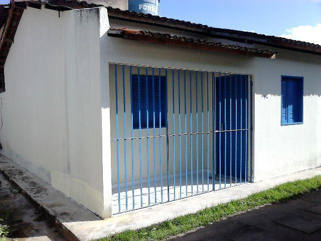 Casa seminova na forene em condomínio