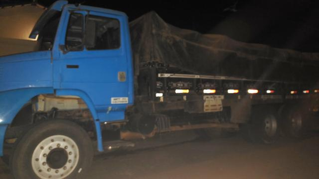 Caminhão carroceria Alto 8.mt 60 comprimento - Foto 2