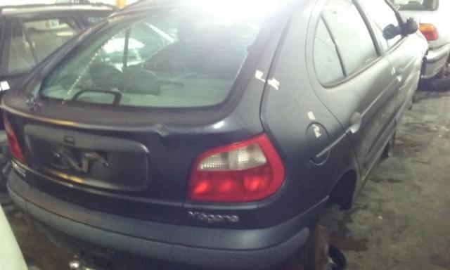 Sucata de Renault Megane RT 1.6 16v 2001 para retirada de peças - Foto 2