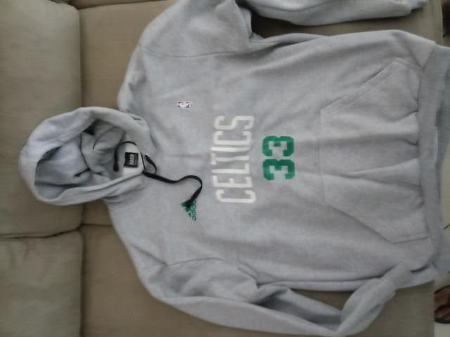 Camisa e casaco do Celtics