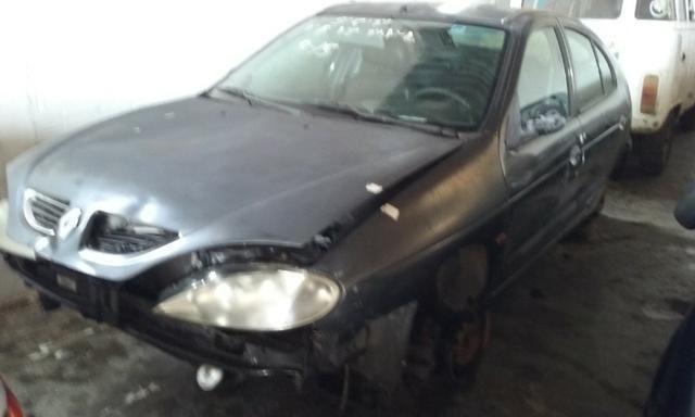 Sucata de Renault Megane RT 1.6 16v 2001 para retirada de peças