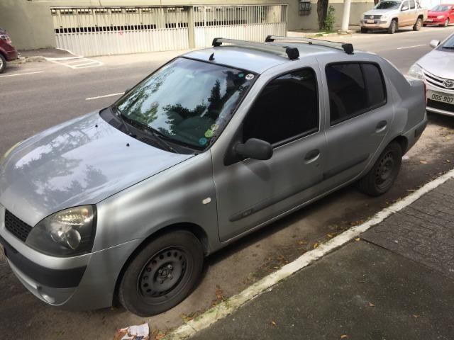 Clio Sedan - ótimo estado