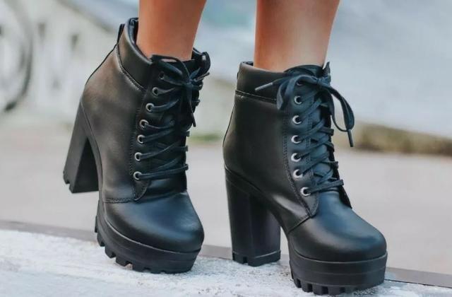 8949cc124 Bota Coturno Feminina Vicerinne Tratorada - Roupas e calçados ...