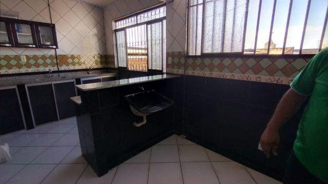 Aluga-se apartamento semi mobíliado
