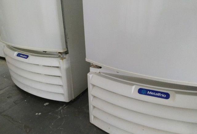 Freezer Conservador Vertical Branco - Metalfrio VF55D - Foto 4