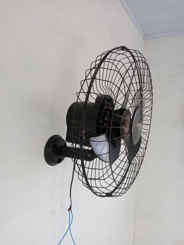 Vendo Ventilador tufão de 50 cm - Foto 2