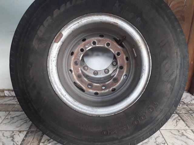 Vende se pneus 295 1000/20 - Foto 2