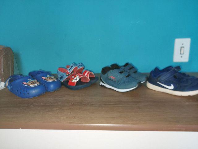 Doa-se roupas e sapatos de menino! Tamanho 2/3 - Foto 3