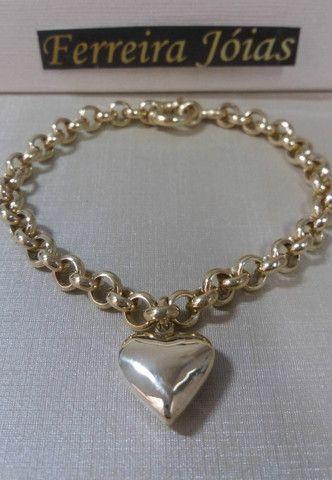 Pulseira feminina elo português com pingente coração em ouro 18k