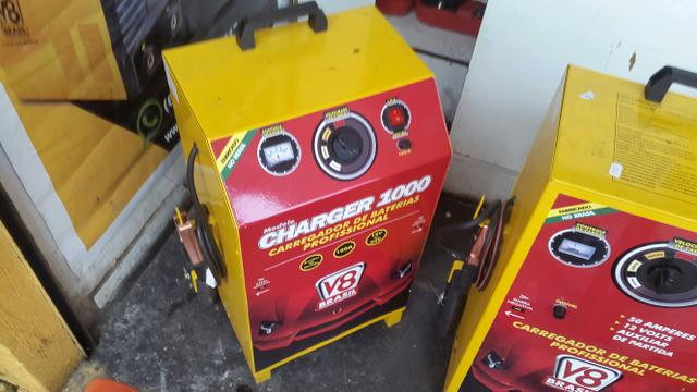 Carregador de bateria 1000