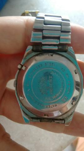 Relógio automático Oriente com dia e mês
