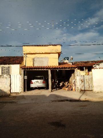 Casa com ótima localização para comércio ,cidade cana verde MG