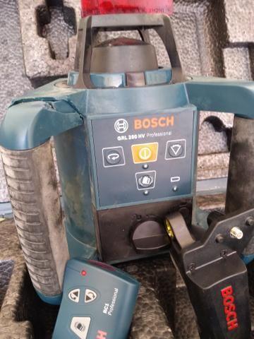 Nível a laser Rotativo Profissional BOSCH GRL250HV - Foto 2
