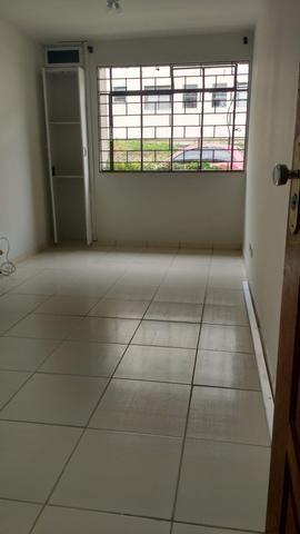Alugo apartamento no Pinheirinho